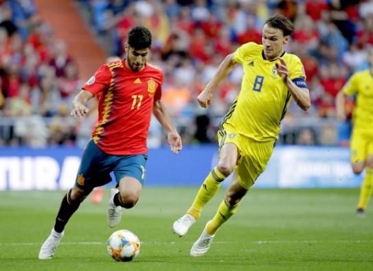 สเปน พบ สวีเดน-ไล่ตาม